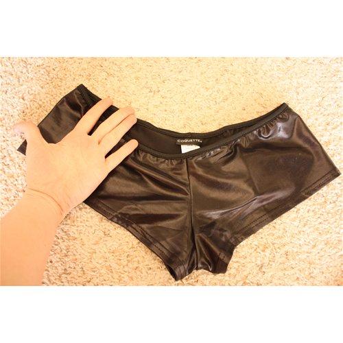 shorts hand