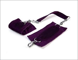 Sutra chainlink cuffs