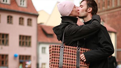 Destination: Romance abroad